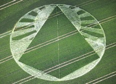 East Field, Alton Barnes, Wiltshire   21st June 2001   Wheat  35mm