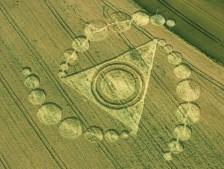 Silbury Hill, Wiltshire   24th July 2001   Barley 35mm