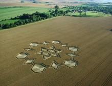 Avebury Henge, Wiltshire | 24th July 2005 | Wheat L