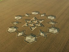 Avebury Henge, Wiltshire | 24th July 2005 | Wheat L2