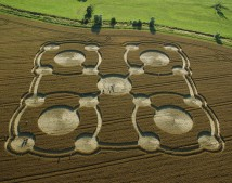 Avebury Manor,  Wiltshire | 27th July 2005 | Wheat | OH