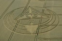 West Kennett Longbarrow, Wiltshire | 13th August 2013 | Wheat L3