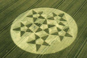 2000_07_24_silbury-hill-wiltshire-wheat-oh-35mm