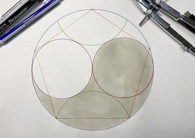 The Division of a circle by 5 and the Yin/Yang pattern | by Karen Alexander